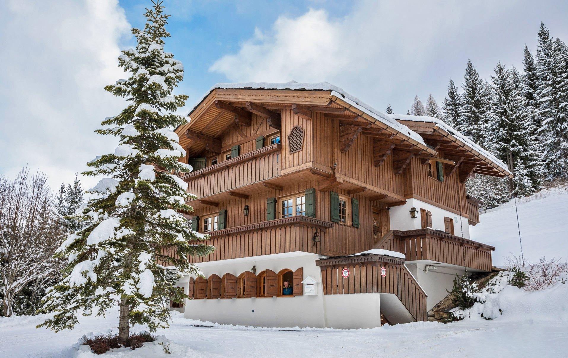 Chalet bois d 39 emeraude in la tania france le ski for Chalet bois