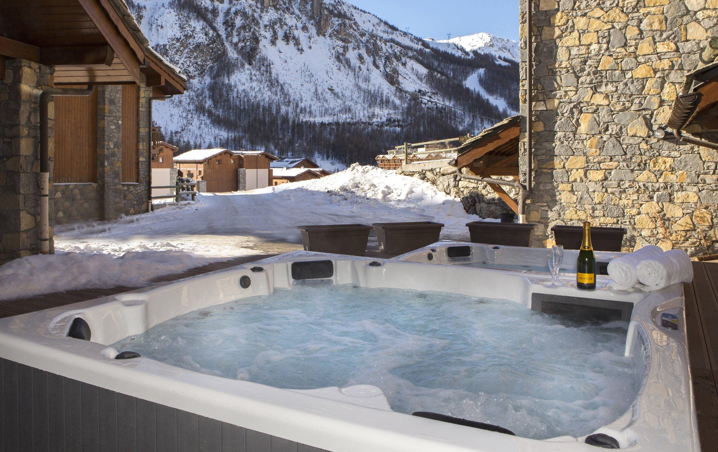 chalet bellevarde in val d 39 is re france le ski. Black Bedroom Furniture Sets. Home Design Ideas