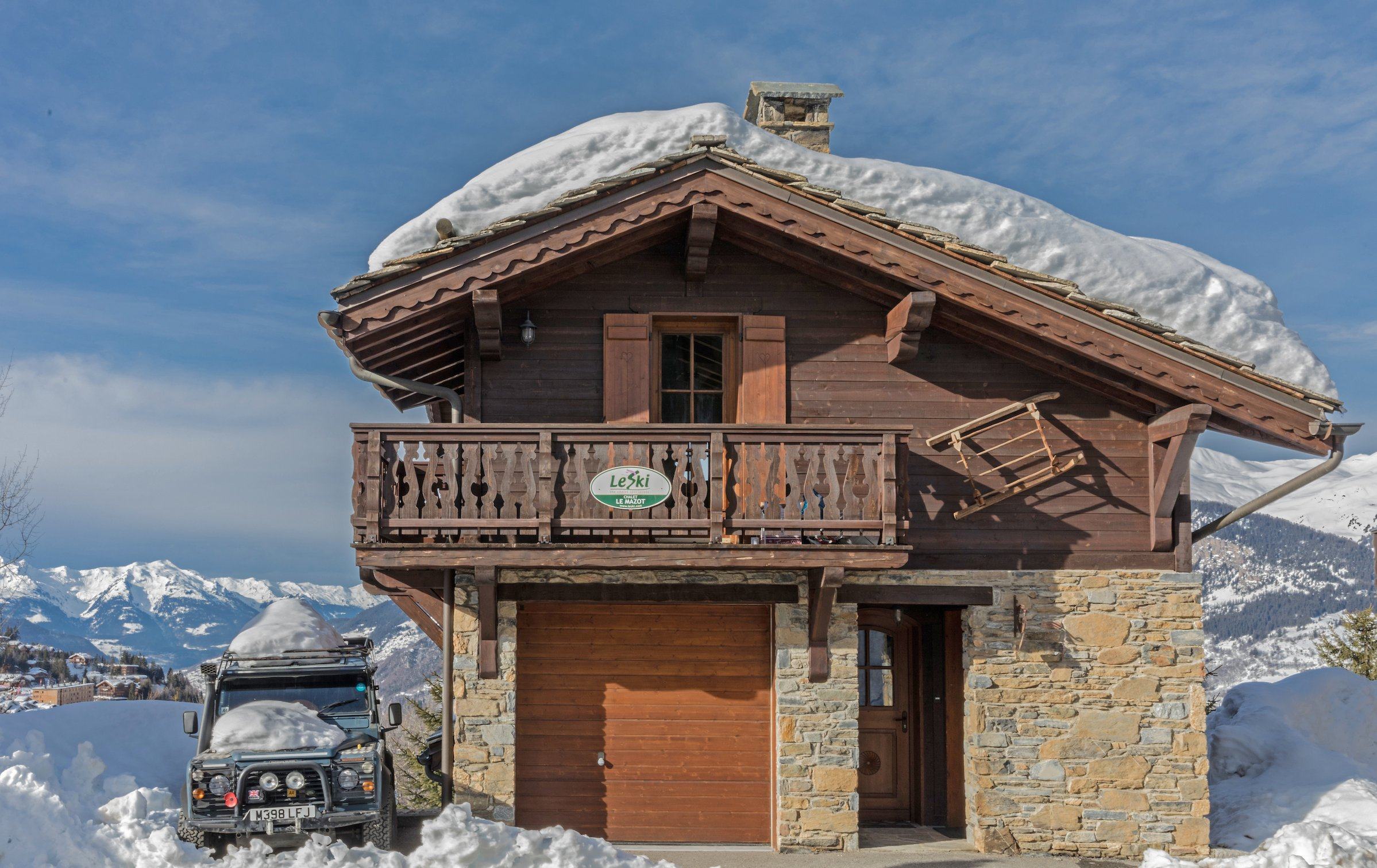 chalet le mazot in courchevel france le ski. Black Bedroom Furniture Sets. Home Design Ideas