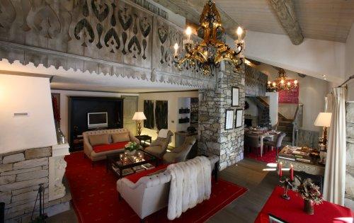 Valpierre's rather grand lounge