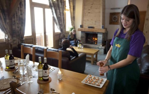 Canapes in Chalet Bisolet