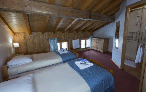 Chalet Bonheur bedroom 3