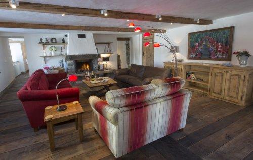 Kanjiroba lounge
