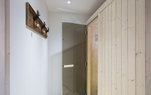 Mistral's sauna