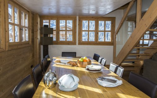 Chalet Orchidee dining area