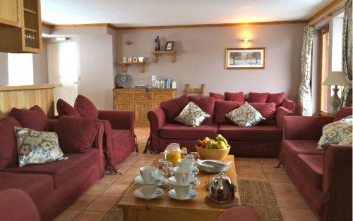 Saulire's lounge